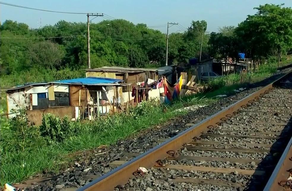 Moradores e prefeitura discutiram reintegração de posse da favela Brejo Alegre (Foto: Reprodução/TV Tem)