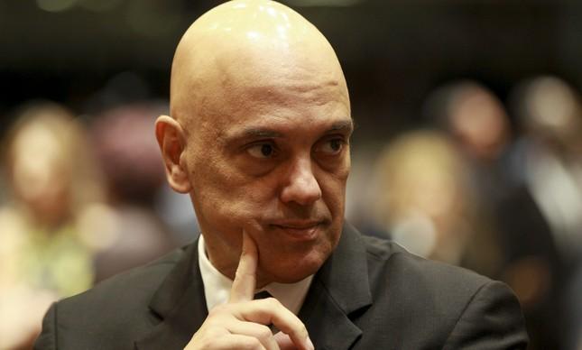 Ministro Alexandre Moraes condena vereadora por rachadinha