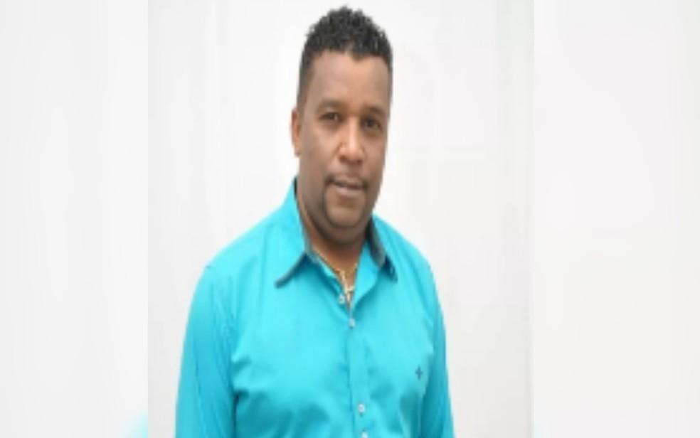 Candidato a vereador de Jataí, Clesio dos Teclados não recebeu nem mesmo o voto dele, em Goiás — Foto: Reprodução/TV Anhanguera