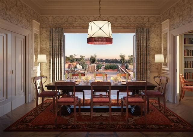 Sala de jantar tem vista para terraço de hotel de luxo na Itália  (Foto: Divulgação)
