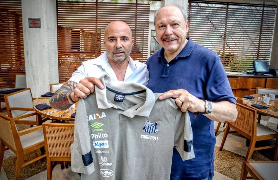 Santos anuncia a contratação do técnico Jorge Sampaoli