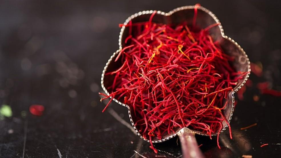 Muito valioso, o açafrão também é conhecido como 'ouro vermelho' — Foto: Getty Images