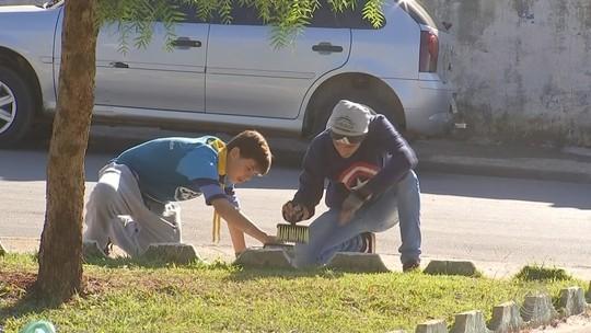 Grupo de voluntários aproveita férias escolares para revitalizar bairros de Guareí