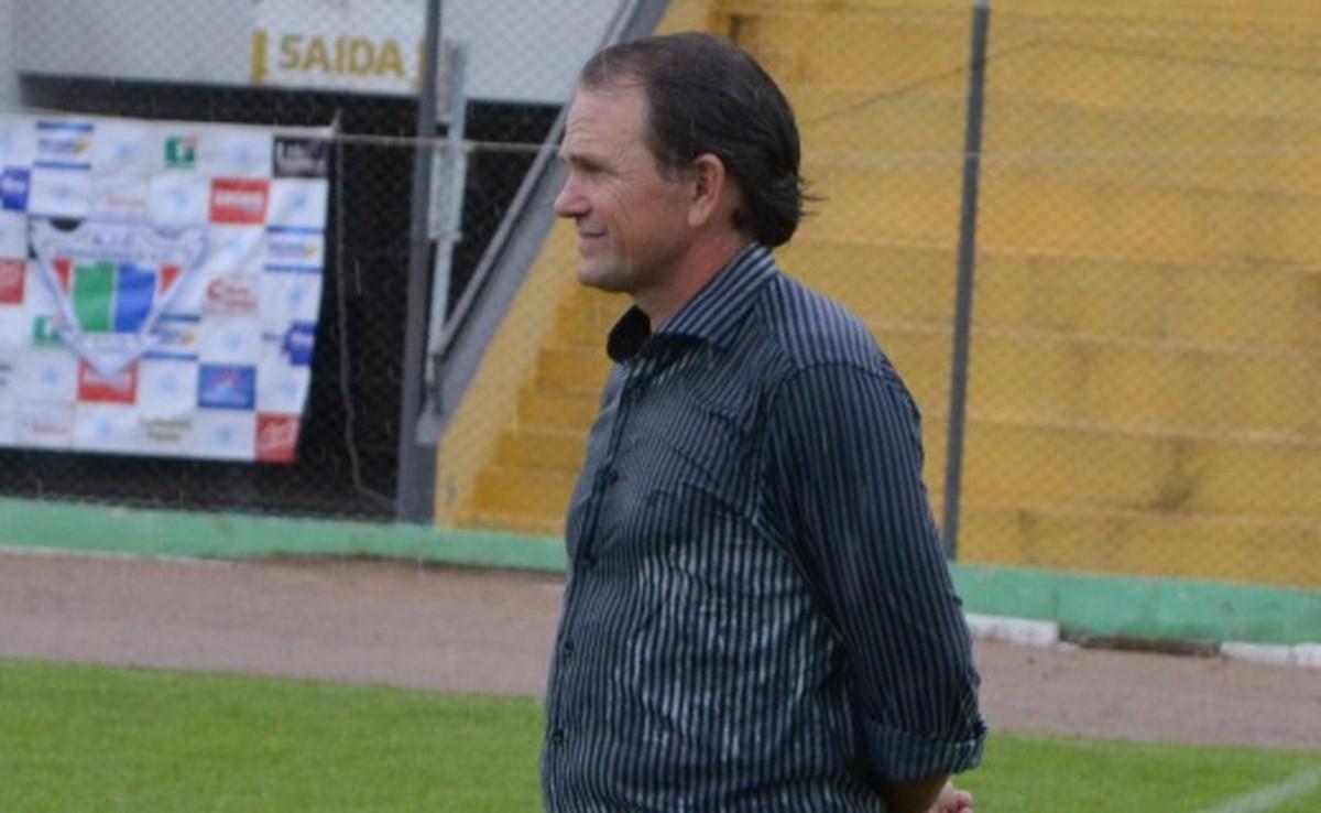 Mercado da Bola  Ji-Paraná anuncia técnico para a temporada 2019 ... 2436e4fe85533