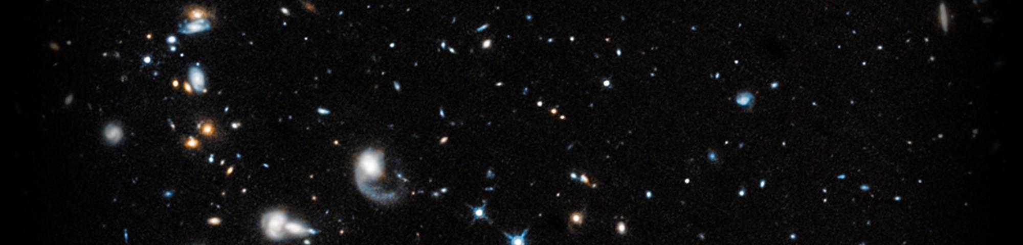 Agrupamento de galáxias foi captado em imagem pelo Hubble (Foto: NASA/Hubble)