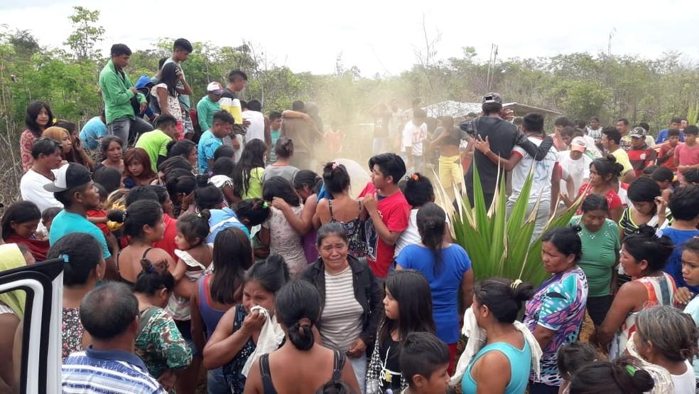 Corpo do cacique Firmino Silvino Guajajara é sepultado no Maranhão nesta segunda-feira (9) — Foto: Divulgação/Magno Guajajara
