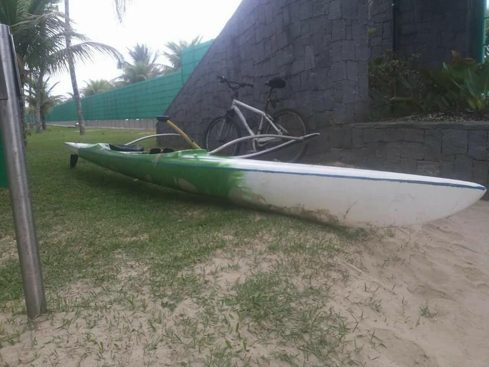 Canoa de Bichir foi encontrada nas imediações do Sesc de Bertioga (Foto: Arquivo Pessoal )