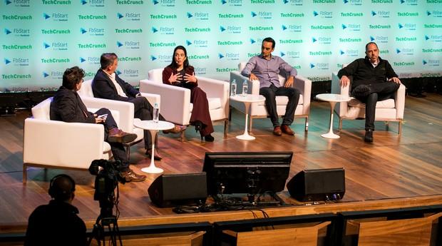 Painel dos investidores (Jonathan Shieber, Fernando de Larrea, Veronica Allende, Hernan Kazah e Eric Acher (da esq. para a dir.) (Foto: Divulgação)