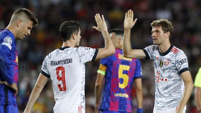 Müller abriu o placar, e Lewandowski fez os outros dois gols do Bayern de Munique em cima do Barcelona