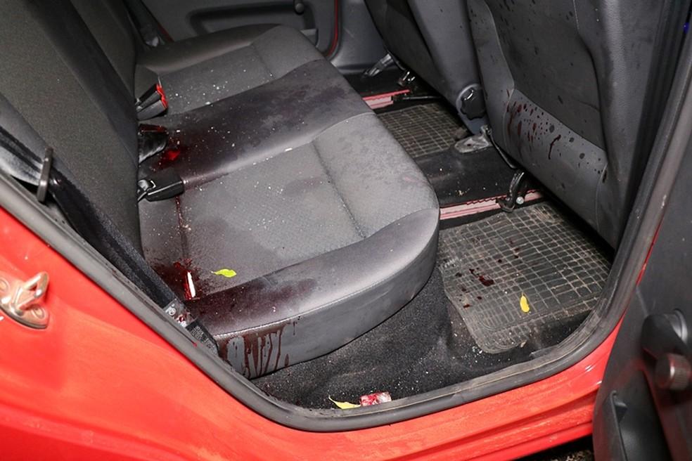 Carro de motorista de aplicativo foi atingido por 15 tiros em Nova Mutum — Foto:  Djeferson Kronbauer/Power Mix