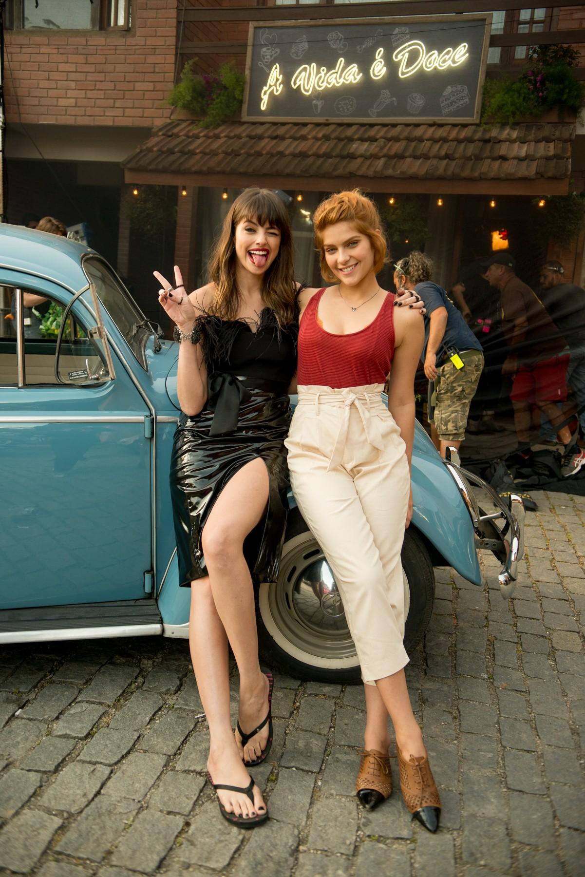 Agatha Moreira e Isabella Santoni em Missão Cupido (Foto: Divulgação)