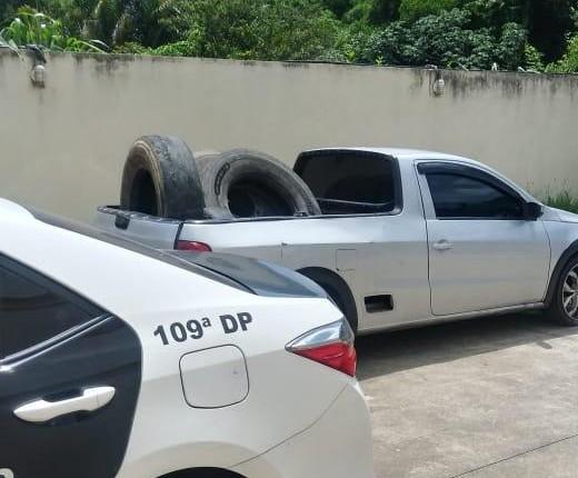 Dupla é presa por furtar pneus de caminhão na Lúcio Meira, em Sapucaia