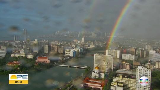 Arco-íris colore o Recife em dia de chuva; veja previsão do tempo