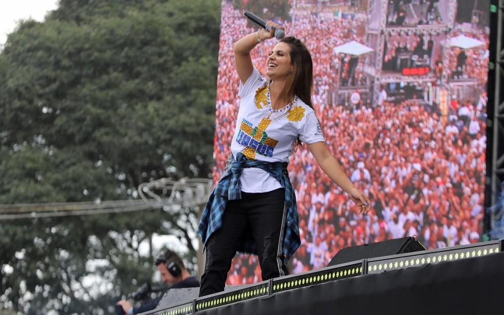 Cantora gospel Aline Barros se apresenta na Marcha Para Jesus 2019 em São Paulo — Foto: Celso Tavares/G1