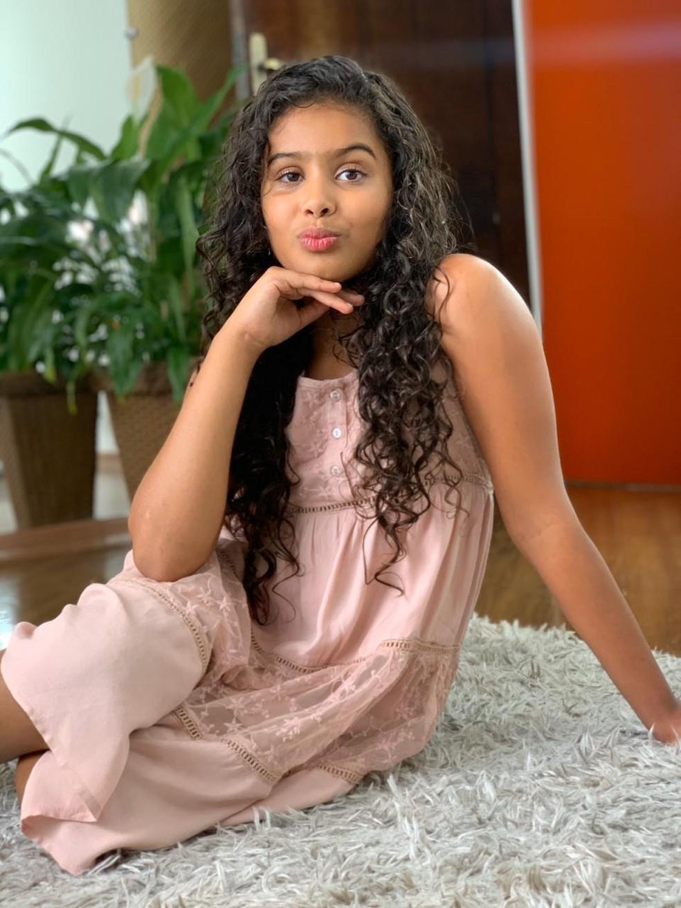 Lays Araújo tem 10 anos e mora na Bahia com a avó — Foto: Arquivo Pessoal