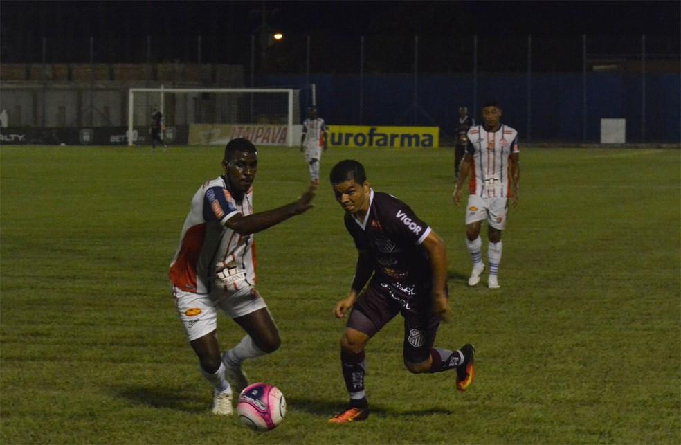 Magrão marcou o primeiro dos donos da casa em jogada pela direita (Foto: Divulgação)