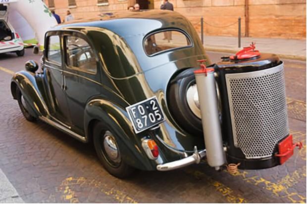 Apesar de parecer uma solução interessante, o gasômetro tinha uma autonomia ruim e podia danificar partes do motor (Foto: São Paulo in Foco)