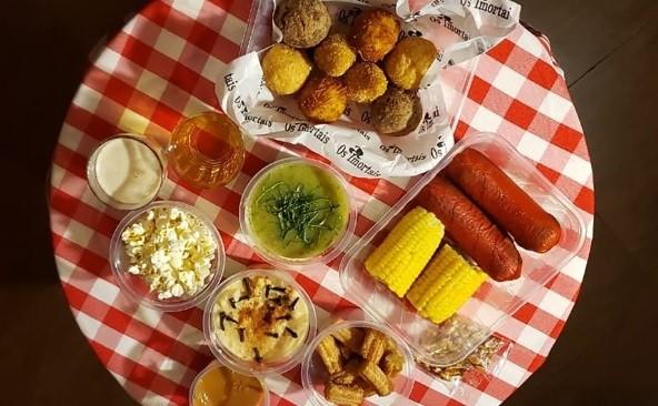 Os pratos de festa junina e julina do bar Os Imortais