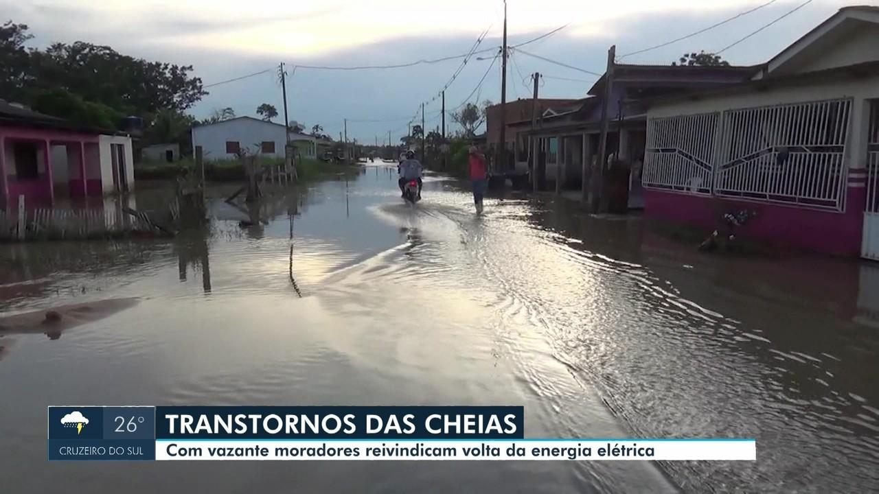 Mesmo com vazante, situação de cheia do Rio Juruá ainda preocupa