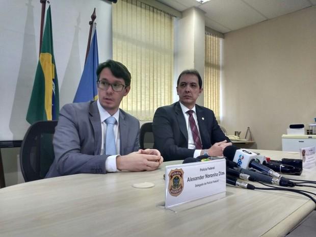 Delegados da Polícia Federal detalharam o funcionamento da organização criminosa que contrabandeava mercadorias do Paraguai (Foto: Honório Silva/RPC)