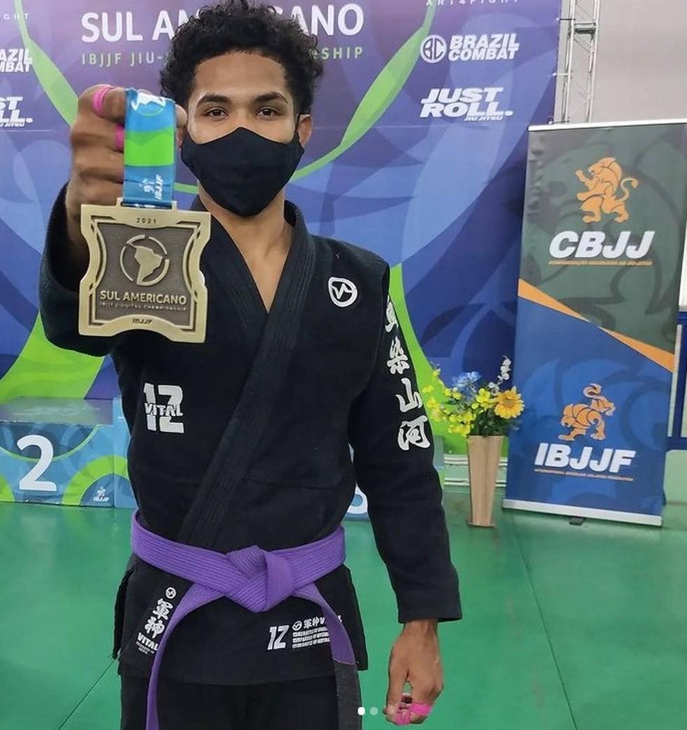 Bruno Sena iniciou no esporte no projeto social Jiu-Jitsu da Quebrada em Macapá — Foto: Bruno Sena/Arquivo Pessoal