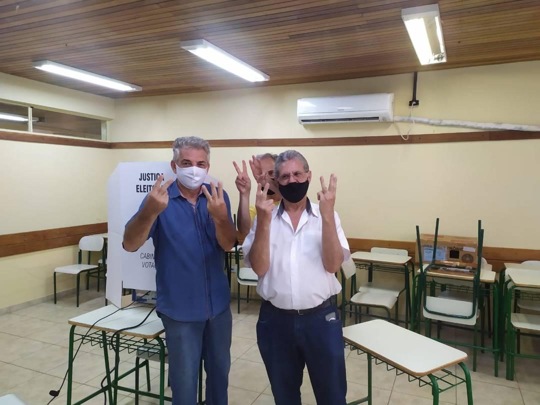 Valdir Pignata, candidato a prefeito de Maringá pelo Cidadania, votou na manhã deste domingo