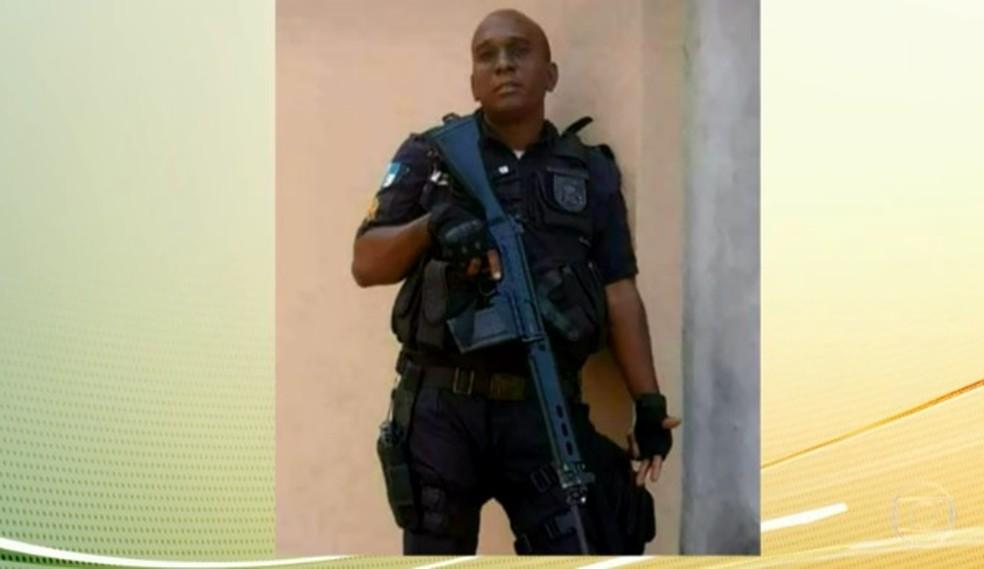 Policial Militar foi morto durante operação no Morro dos Macacos   (Foto: Reprodução/TV Globo)