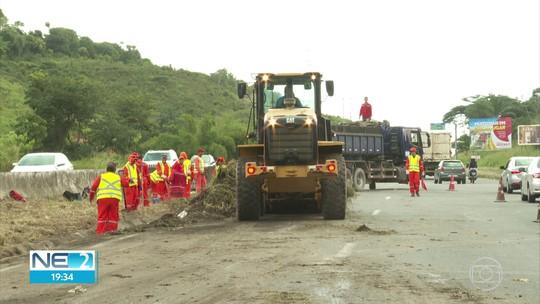 Governo de Pernambuco anuncia recuperação de 5,5 mil quilômetros de rodovias do estado