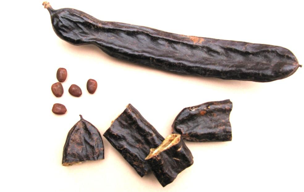 Alfarroba substitui o cacau em preparações doces (Foto: Reprodução)