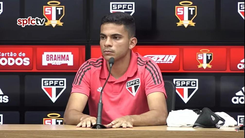 Bruno Rodrigues é apresentado no São Paulo — Foto: Reprodução/YouTube