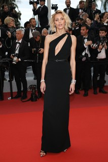 Anja Rubik veste Saint Laurent
