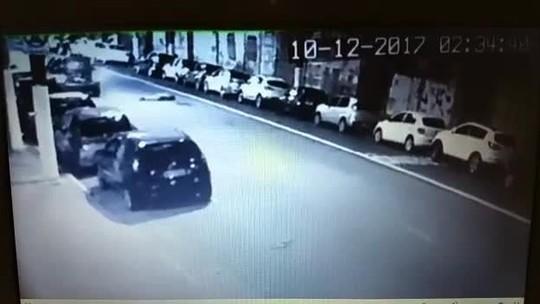 Câmera registra atropelamento de morador de rua na Zona Oeste de SP; veja vídeo