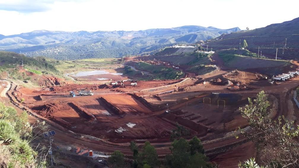 Vale realiza obras para descomissionar a barragem B3/B4 em Macacos, na Grande BH — Foto: João Borges/ Arquivo pessoal