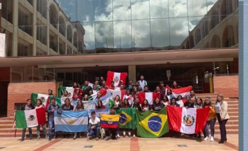 Universitários de MS que estão na Colômbia pedem ajuda para serem repatriados ao Brasil