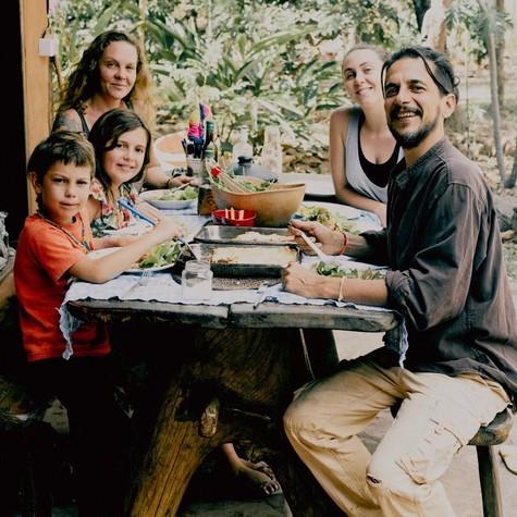 João Amorim e a família (Foto: Arquivo pessoal)