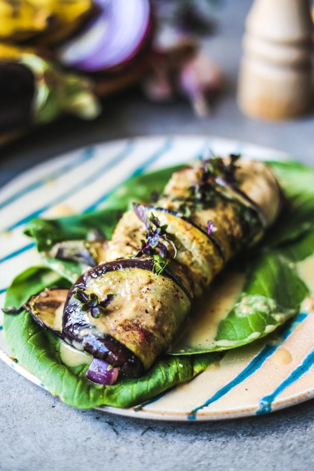 Canelone saudável é feito com berinjela e purê de banana (Foto: Simplesmente)