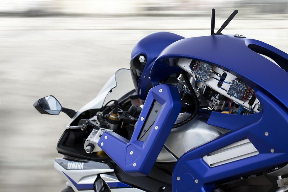 2015tms_motobotver1_concept_002.jpg