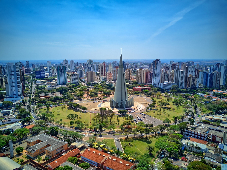 Catedral de Maringá e centro da cidade. Vários edifícios. Cathedral of Maringá and downtown. Several buildings. (Foto: Getty Images/iStockphoto)