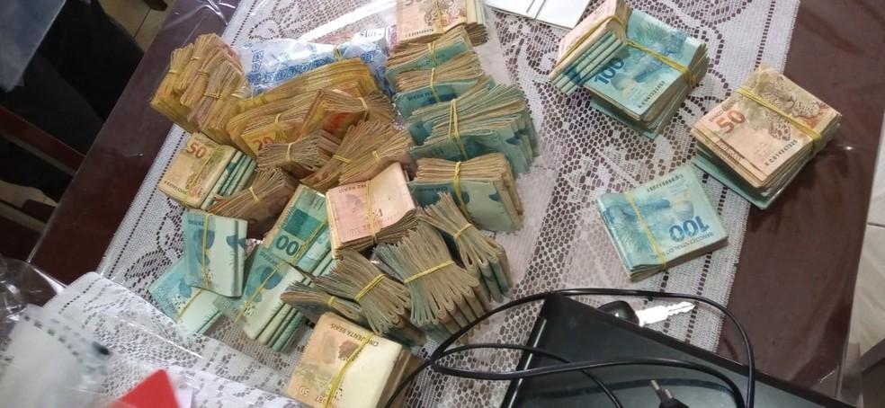 """Dinheiro do garimpo era utilizado para compra de veículos e outras atividades de """"aparente legalidade"""", segundo a PF — Foto: Polícia Federal/Divulgação"""