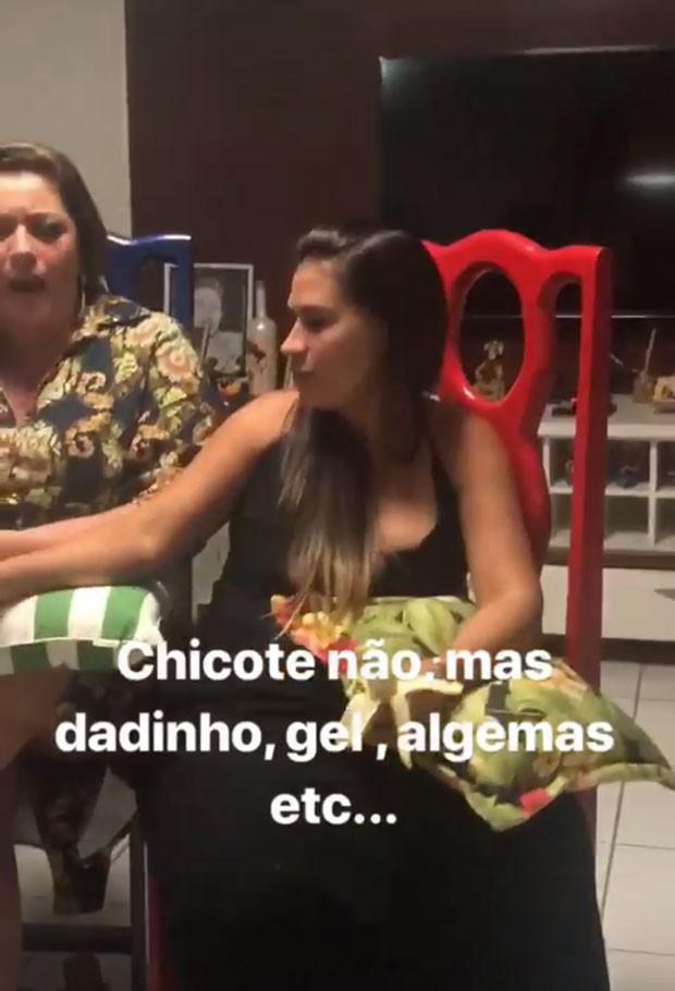 Simone participa de jogo erótico (Foto: Reprodução/Instagram)