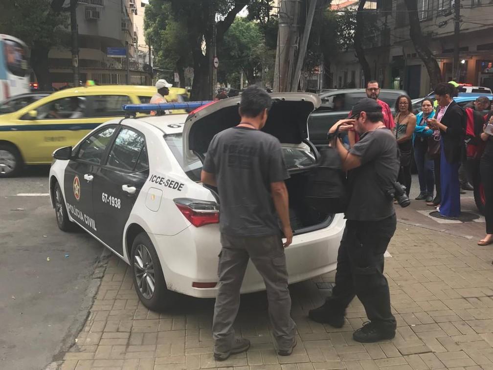 Perícia chegou ao Hospital Badim por volta das 7h30 — Foto: Cristina Boeckel / G1