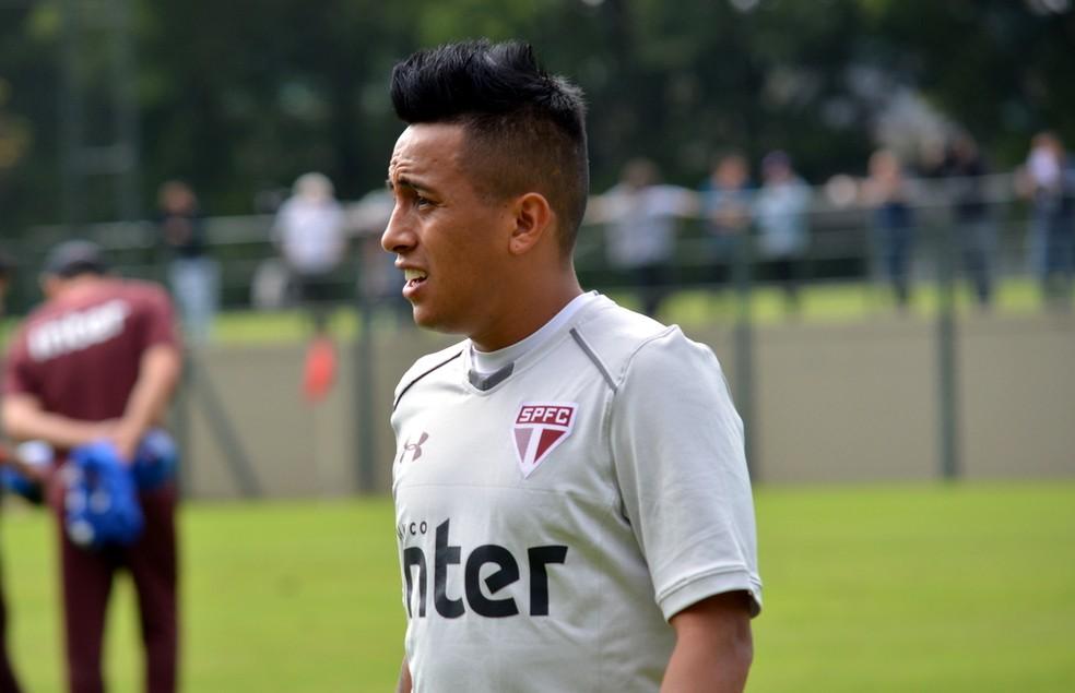 Cueva tem presença garantida na partida contra o Atlético-PR, no Pacaembu (Foto: Erico Leonan / site oficial do SPFC)