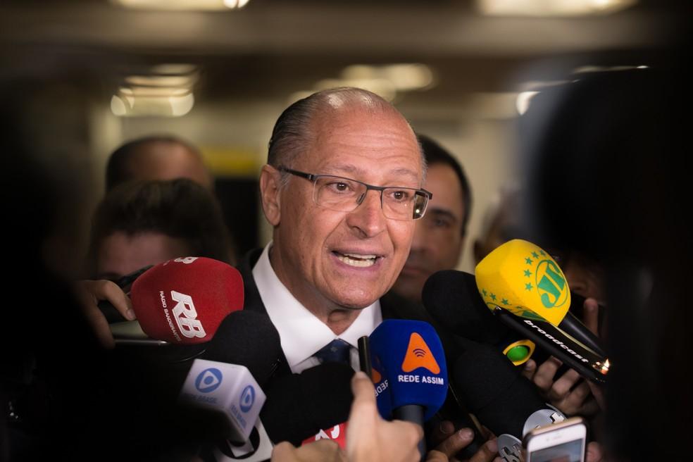 O candidato à presidência da República pelo PSDB, Geraldo Alckmin, participa da abertura da 14ª Expo Cristã — Foto: André Lucas/Estadão Conteúdo