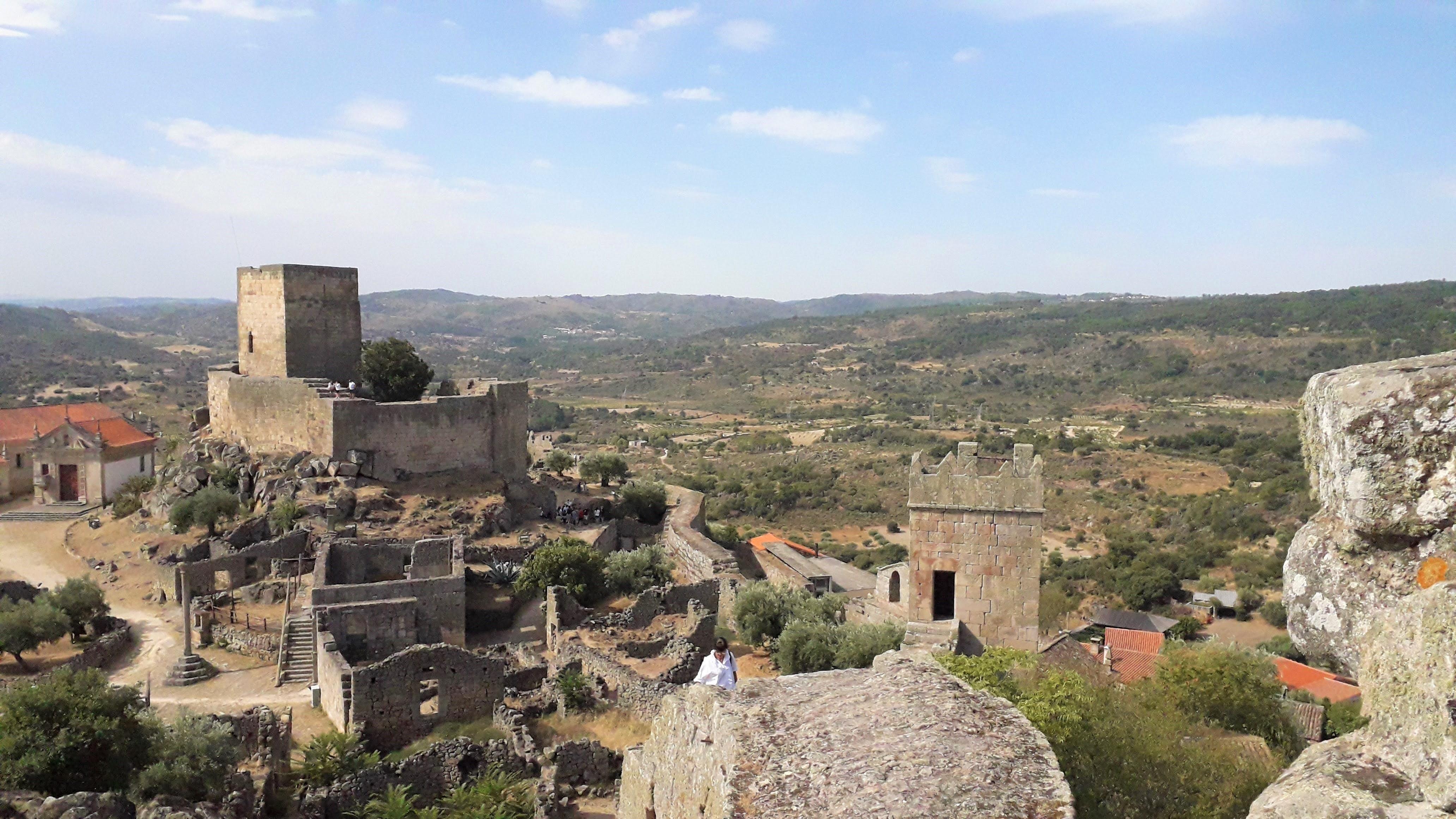 Ruínas do castelo de Marialva, no distrito da Guarda, um dos mais procurados pelos candidatos ao Emprego Interior Mais