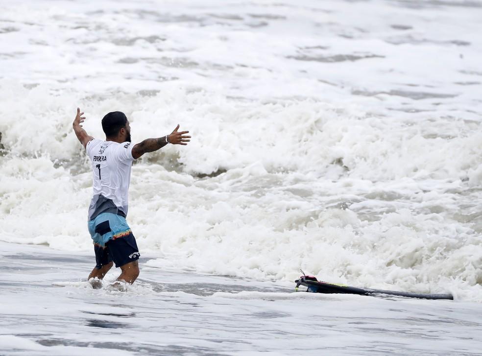 Italo Ferreira, ouro no surfe nas Olimpíadas de Tóquio — Foto: André Durão
