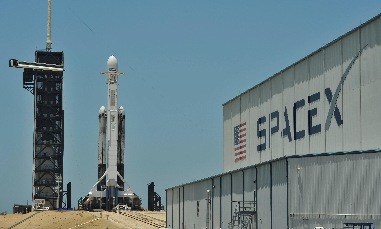 Missão espacial tripulada da SpaceX parece 'cada vez mais difícil' em 2019, diz executivo