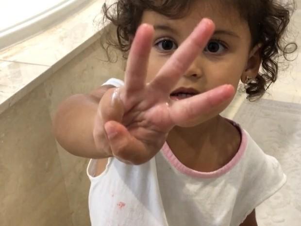 Vicky, a filhinha de Bella Falconi (Foto: Reprodução Instagram)