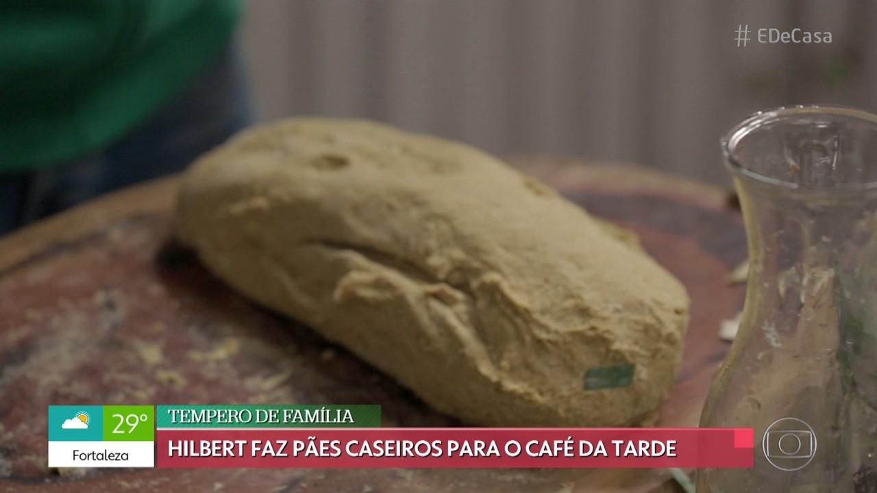 Rodrigo Hilbert faz receita de pão