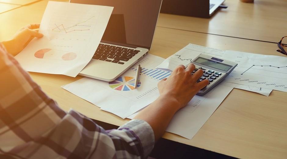 Saiba como pagar o 13° sem maiores problemas financeiros (Foto: Endeavor Brasil)