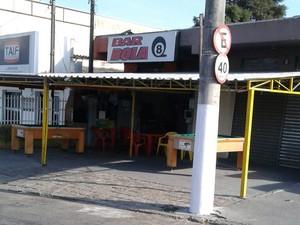 Guarda apreende máquinas caça-níqueis em bar de Cabreúva (Foto: GM de Cabreúva/Divulgação)